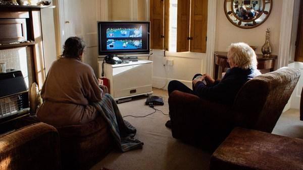 Matrimonio decide quien preparará el café... jugando Mario Kart! 1