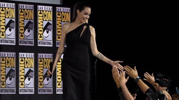 traje de Angelina