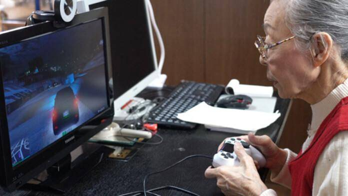 Hamako Mori, Abuelita Gamer