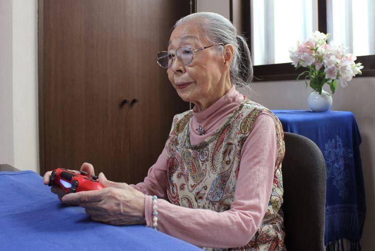 Abuelita Gamer de 90 años sueña con jugar con el PlayStation 5 1