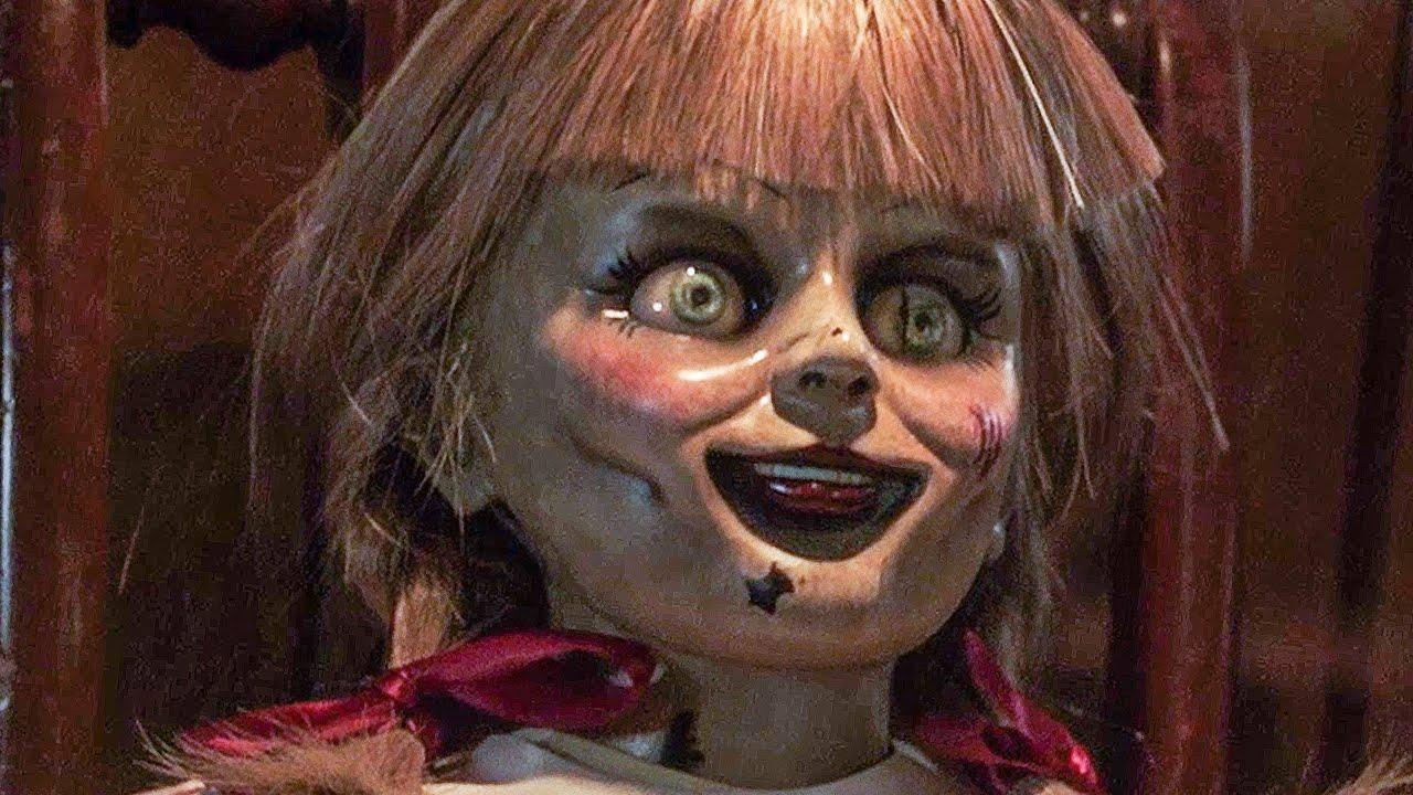 Annabelle En Cuarentena' La Divertida Historia De Una Muñeca Olvidada En  Una Oficina — No Somos Ñoños