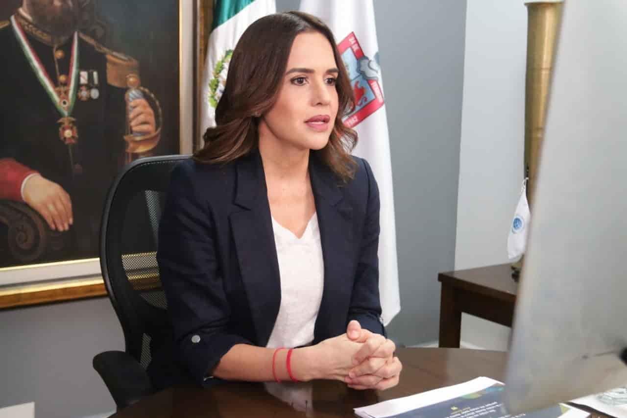 Clara Luz (Alcaldesa de Escobedo)